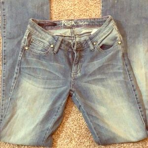 Rock 47 jeans by wrangler. Size 27 barely worn.